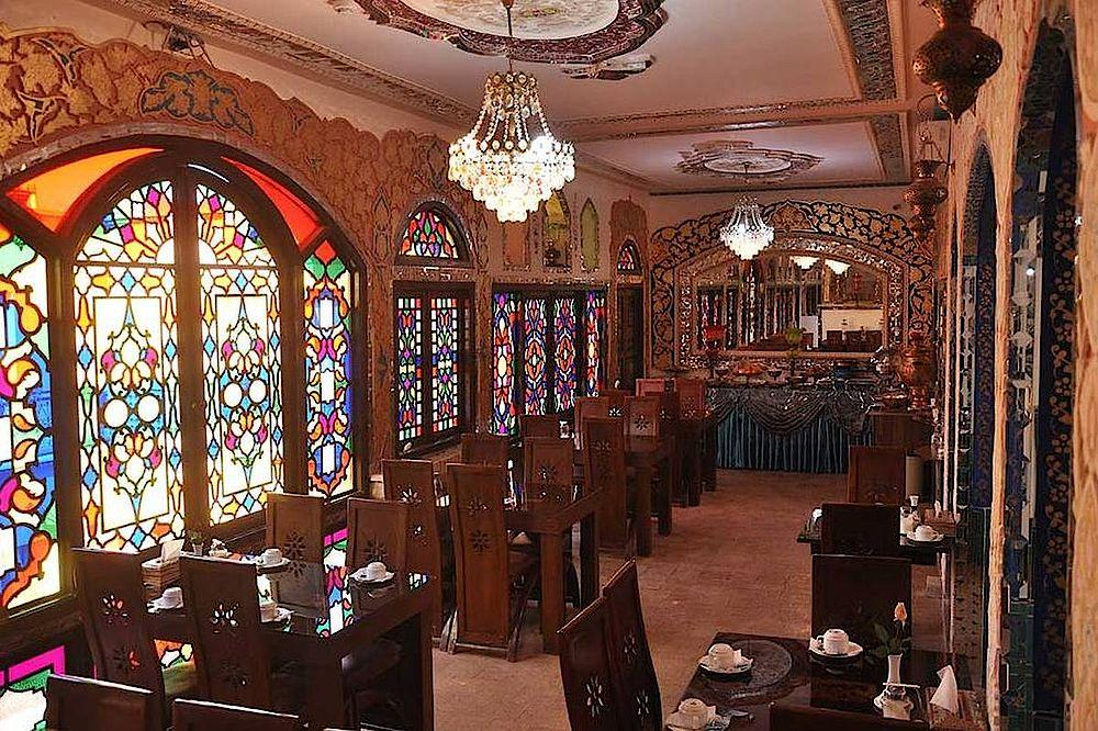 Restaurant, Traditional Sunrise Hotel, Isfahan, Iran Reise