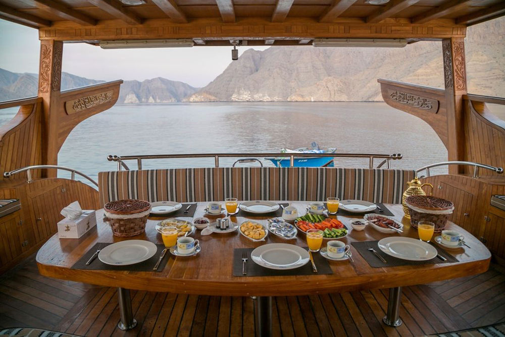 Deck, Rubba Cruise, Luxusyacht, Oman Rundreise