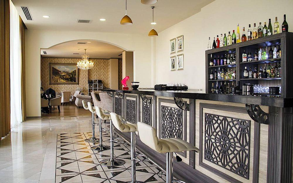 Bar, Marxal Resort & Spa, Sheki, Armenien Rundreise