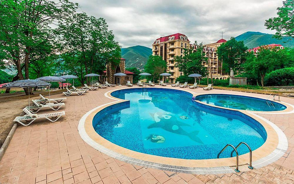 Pool, Marxal Resort & Spa, Sheki, Armenien Rundreise